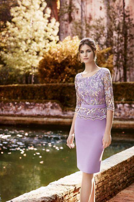 3b6e1116d Uno de los vestidos cortos para madrinas elegantes y sencillas en este 2018.  Vestido de Crepé recto con peplum – Galanovias