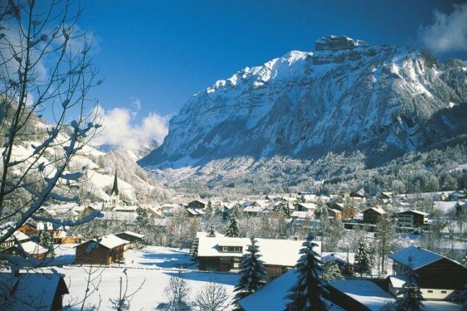 ST. ANTON AM ARLBERG: Hvis du godt kan lide at udfordre dig selv på de alpine skipister, så er stedet St. Johan am Arlberg og Lech Zürs Am Arlberg i det vestlige Østrig. #ferie #rejser #skiferie #skirejser #Østrig #ski