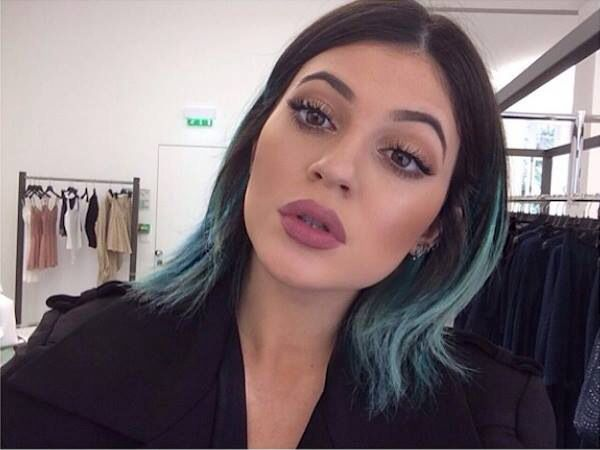 I cannot stand this family, but Kylie Jenner has some on point makeup. Love the lipstick color.