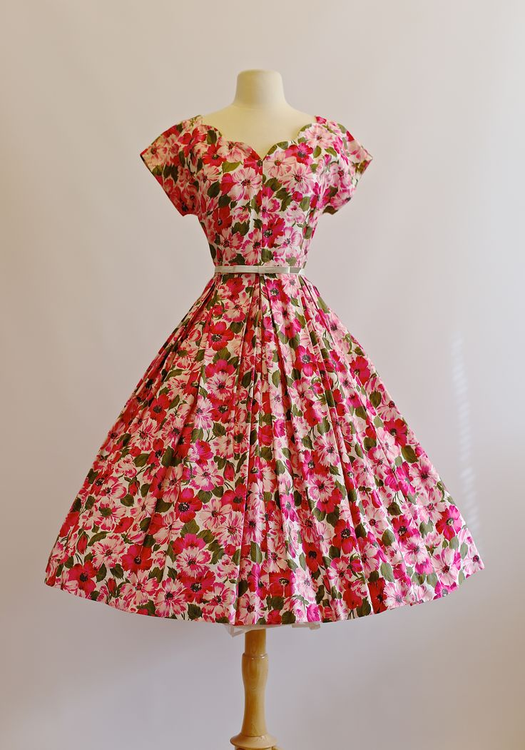 Vintage 1950's dress at xtabayvintage.com #50sdress #xtabayvintage #1950sdress