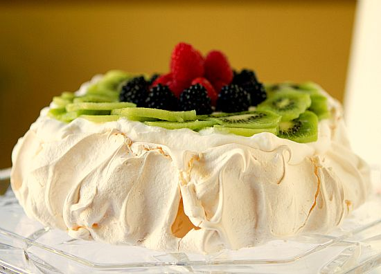 Traditional Pavlova(From Scratch <3)