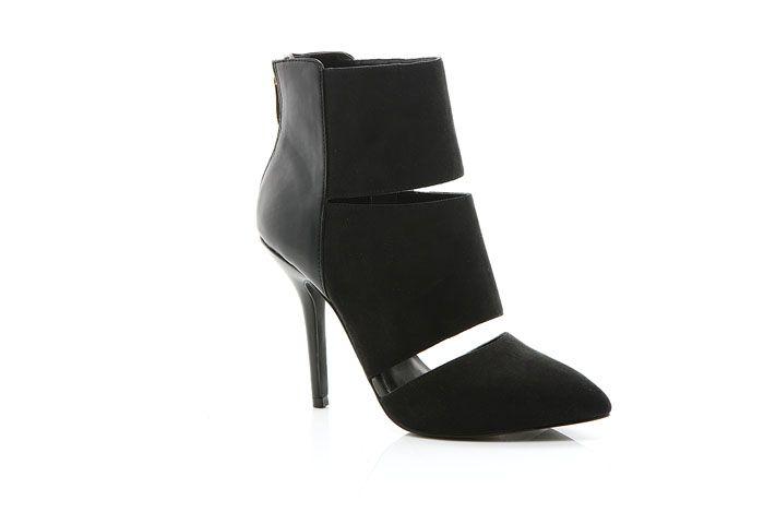 Shop the Ivana Black for R899 from https://www.madisonheartofnewyork.com/madisonblack/product/402-ivanna-black