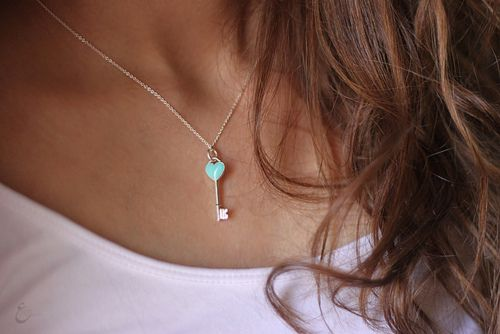 LOVE this ♥ I want it so badly.  I've always coveted a Tiffany key pendant.Birthday, Gift, Heart, Colors, Tiffany Blue, Tiffany Keys, Keys Necklaces, Accessories, Tiffany Necklaces