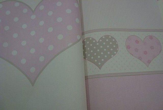 meisjes behang roze wit stippen hartjes creme behang