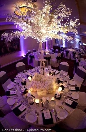 What a stunning centerpiece!