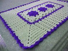 Tapetes em crochê retangular com flores rasteirinhas - YouTube