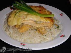 Sajttal, sonkával gombával rakott csirkemell recept | Receptneked.hu (olcso-receptek.hu)
