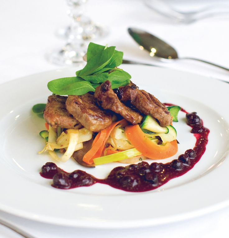 MARINA Restaurant - Posiłek powinien cieszyć nie tylko zmysł smaku, ale również wzroku.
