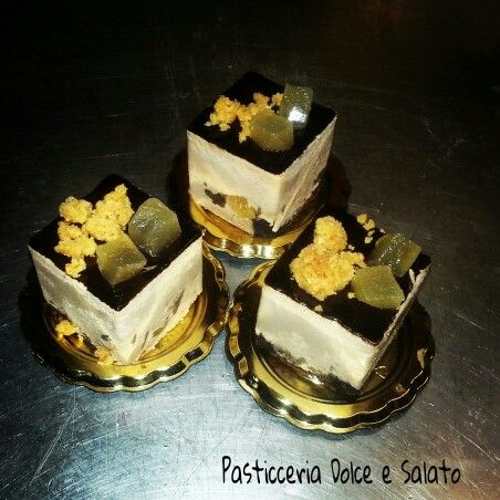 Mousse di Cioccolato al Latte con cubetti di pera...