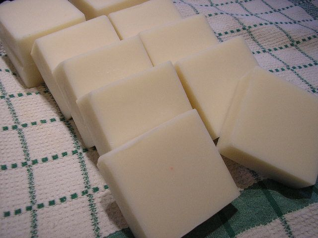 How to Use 100% Coconut Oil and 20% Superfat in One Soap: Finished bars of 100% coconut oil soap