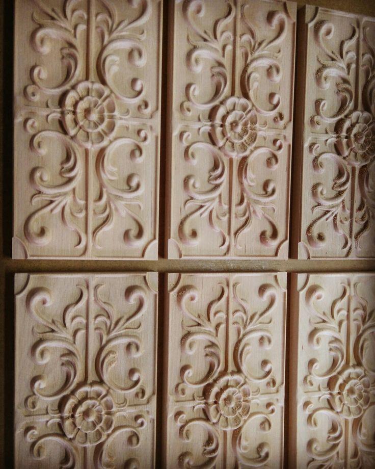 Holzreliefe für Stilmöbel. Geschnitzte Füllungen