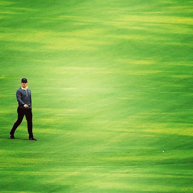 Rory McIllroy all alone on golf course
