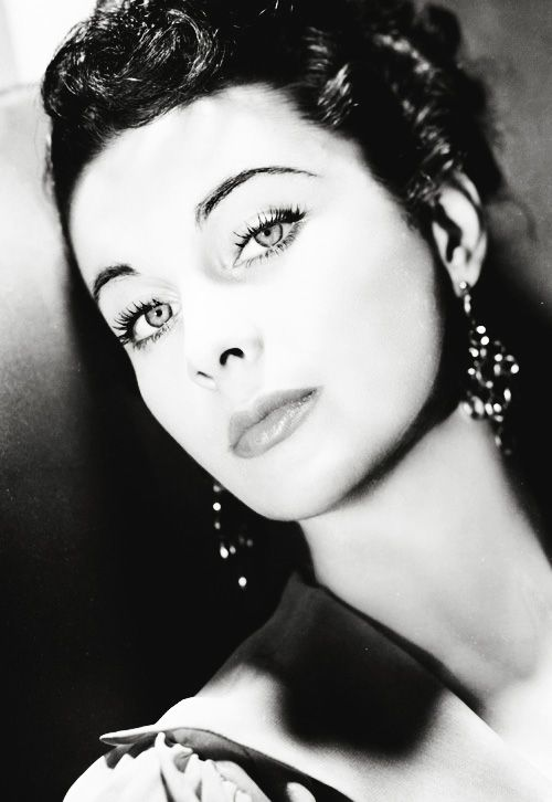 Vivien Leigh. The glam that women of the 30's, 40's and 50's...