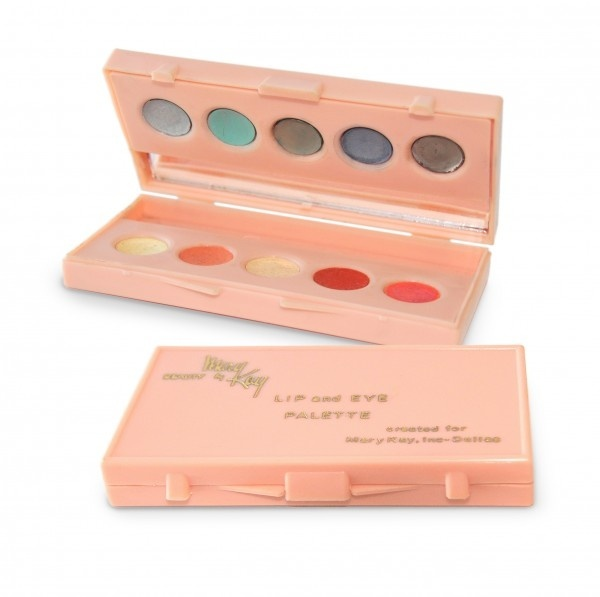 vintage Mary Kay  I so remember this!!  Loved the eyecolor....used a wet brush to apply!