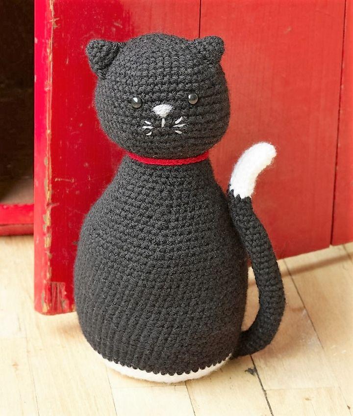 amigurumi-black-cat-door