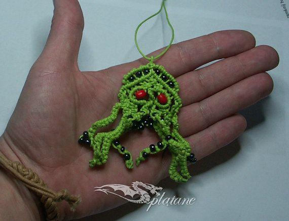 Cthulhu macrame pendant by Splatane on Etsy, €9.00