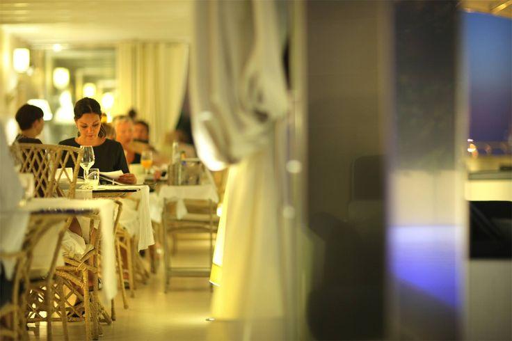 Atmosfera unica, tavola ben apparecchiata e menù a regola d'arte: tre punti forte del Ristorante Dolce Vita di Palazzo del Corso a #Gallipoli Info e prenotazioni al tel 0832 244040