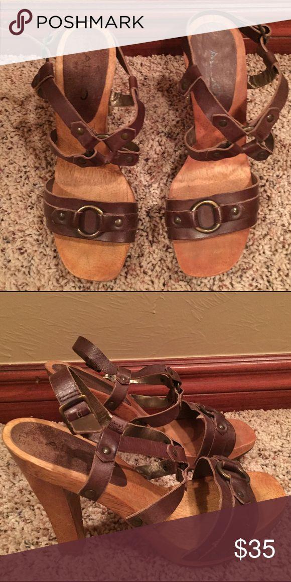 Aldo heels Aldo heel sandals•Lightweight•Great condition•Aldo size is 35 but fits regular 6m Aldo Shoes Heels