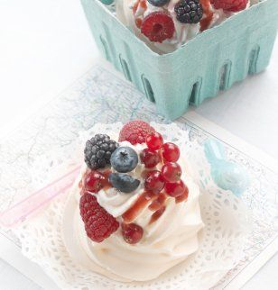 Pavlovas aux fruits rouges / Pavlovas with berries
