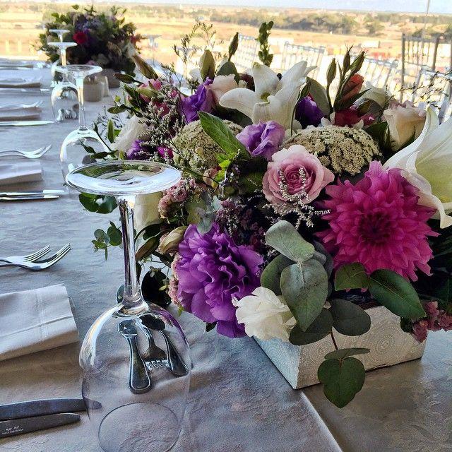 """J&B Met . #fabulousflowers #florist #flowershop #floraldesign #flowers #flowersofinstagram #capetown #cavendishsquare #instagood #instalove #instadaily…"""