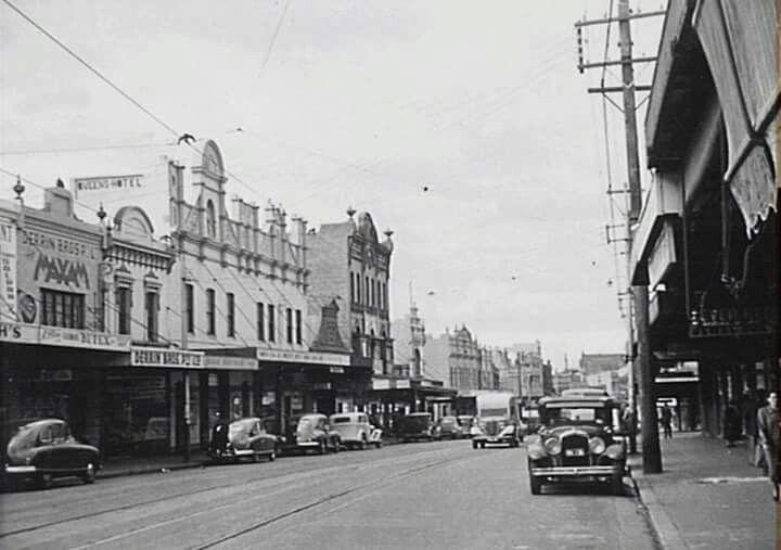 Enmore Rd,Enmore in inner Sydney in the 1940s.A♥W