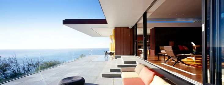 Palm Beach House has been designed by Sydney-based architects Design King Company.
