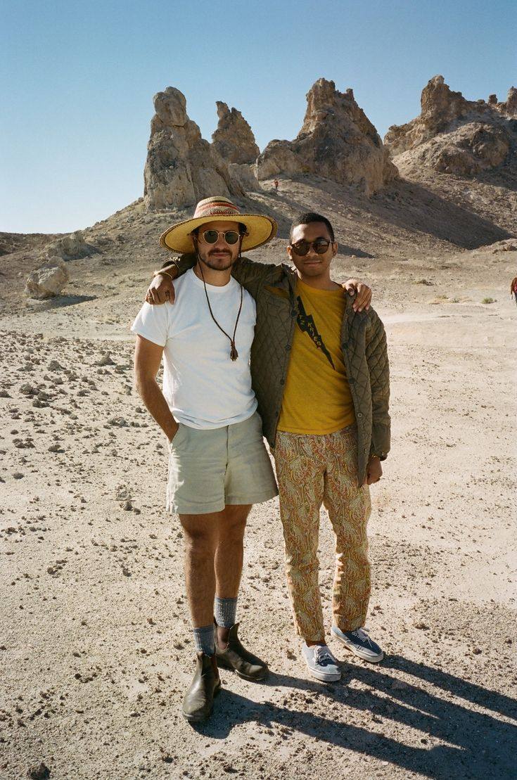"Resenha: ""Live From Trona"", Toro Y Moi – Miojo Indie"