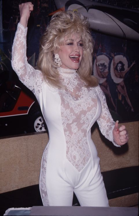 45 Vintage Dolly Parton Photos Every Fan Needs to See