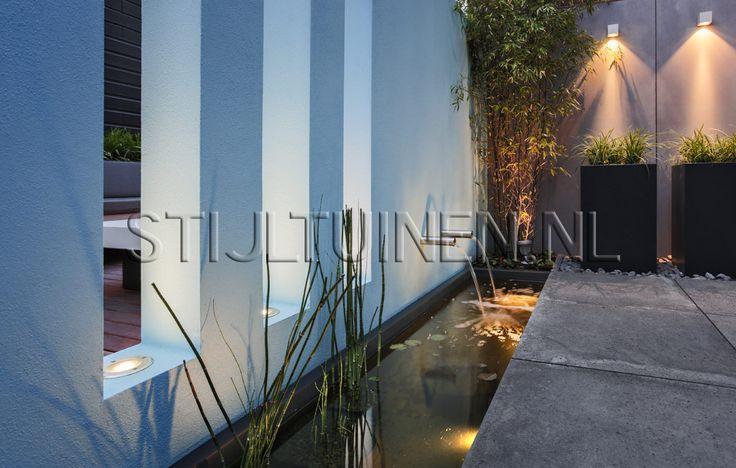 Beschrijving en foto's van exclusieve high end design minimalistische buitenkamer of patiodesign in Amsterdam door tuinarchitect Erik van Gelder Stijltuinen