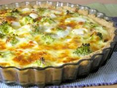 Recept på paj med fetaost, kassler och broccoli. Kassler ger sälta och lite smak av rök.