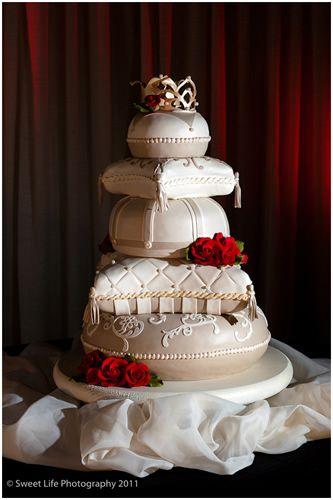 Google Image Result for http://www.cindascreativecakes.com/weddings/jpgs/pillow_cake.jpg