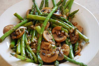 Sautéed asparagus with mushrooms