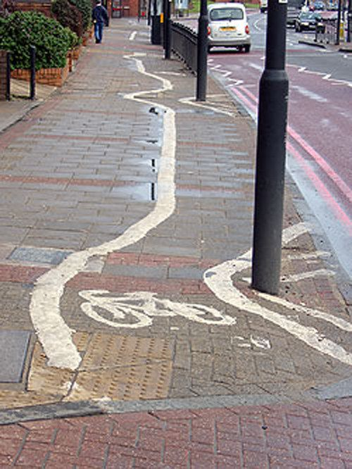 The designer of this lane at least understands that lampposts are solid objects. | 22 Ridiculous London Cycle Lanes That Hate Cyclists