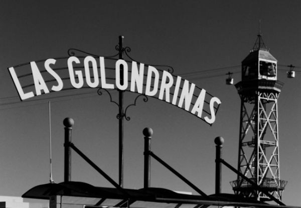Las Golondrinas began its services in 1888 to coincide with the Universal Exposition in Barcelona, Las Ramblas and the completion of the construction of the Columbus monument. Las Golondrinas has been, since then, a privileged witness of the changes that have experienced the stunning harbor and city: the 92 Olympics, the Agbar Towe