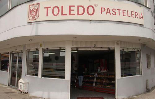 Fontibón - San José | Pastelerías Bogotá | La Toledo Pastelería Horario de atención: Lunes-Sábado 8:30 am-7:00 pm  Domingos 11:00 am-5:00 pm  NO ABRE LUNES FESTIVOS Dirección: Cra 100 # 24 - 49, Local 2 Teléfono: 57(1) 418 6067 Parqueadero: No