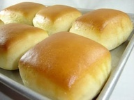 Homemade Texas Roadhouse Rolls  Here is the Cinnamon Butter that you HAVE to serve with them. Cinnamon Butter 1/2 cup softened butter 1/3 cup powdered sugar 1 tsp cinnamon 1/2 tsp honey Whip with beaters until light and fluffy! | Popular Jpg