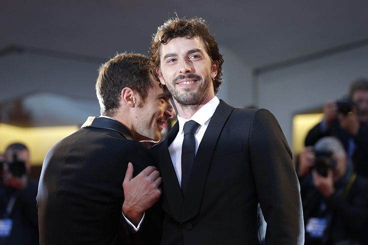 Michele Riondino con Elio Germano