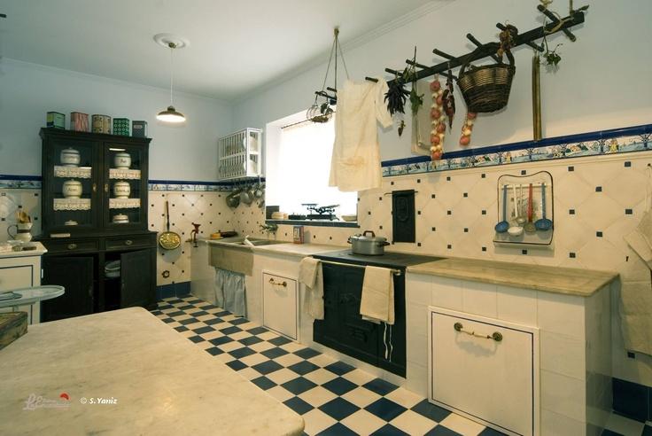 En el museo también se puede ver la recreación de la casa que los propietarios tenían en la propia fábrica. En esta foto, la cocina.