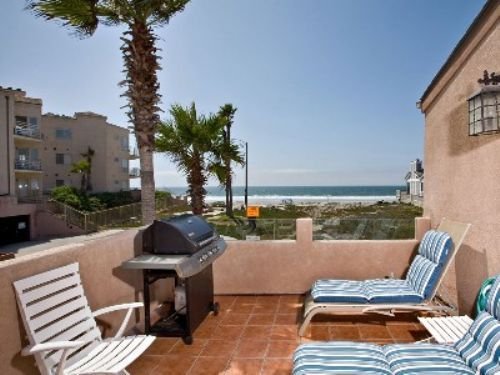Imperial Beach Rentals! This beautiful property is located in Imperial Beach, California, just a few minutes by car to downtown San Diego, Coronado and the Mexican border. Easy access to public transportation (the bus stop right on main street,.