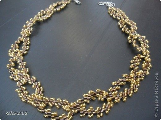 Picture Tute for gold and brown leaf-like necklace. (Translate) #Seed #Bead #Tutorials