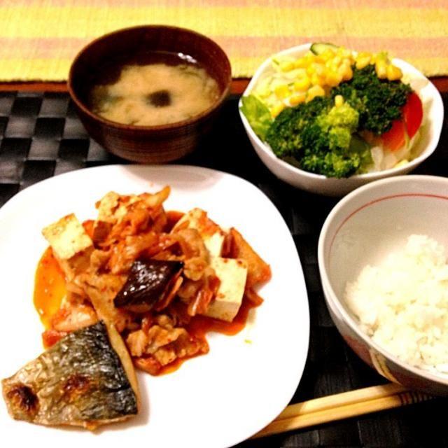 今夜の家ゴハン 今日も1人だけ遅れて晩御飯(^◇^;) - 32件のもぐもぐ - 豚キムチ豆腐 by マニラ男