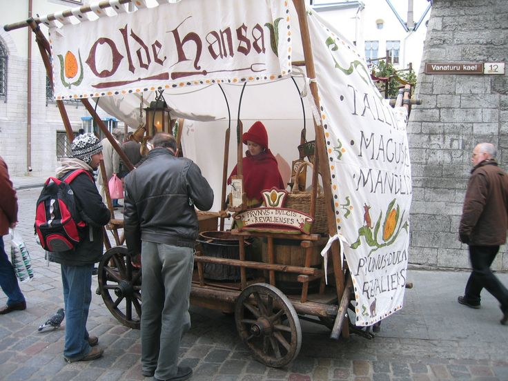 Peanut cart in Tallinn
