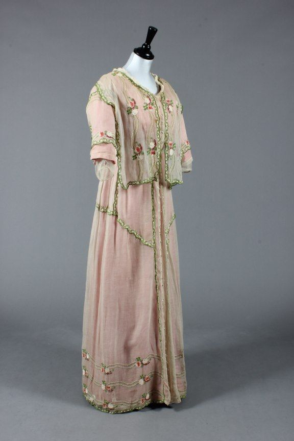 Tea gown ca. 1911  From Kerry Taylor Auctions