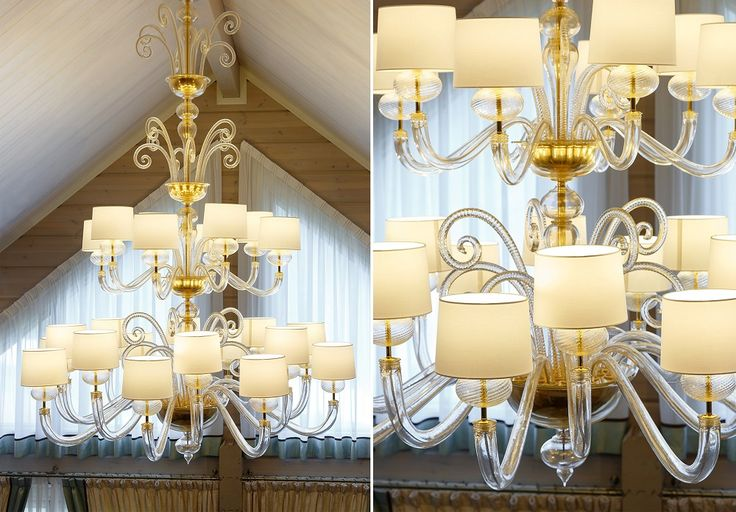 A sumptuous Tangeri chandelier by Barovier&Toso in a coutry house in Russia