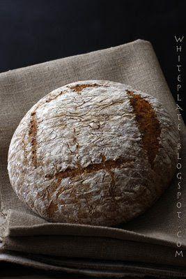 Weekendowa Piekarnia #13 Żytnio-pszenny chleb ze słonecznikiem   White Plate