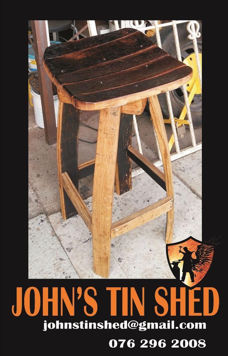 Custom easel chair