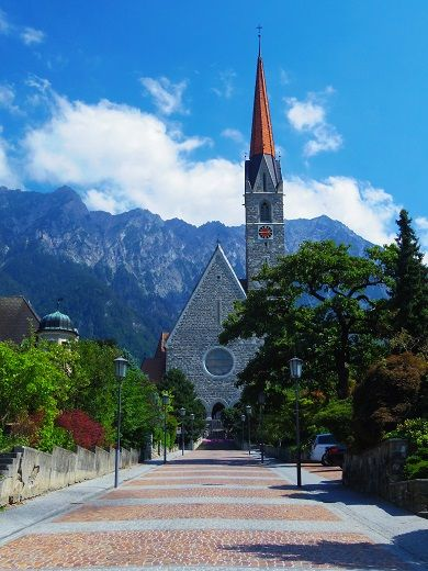 リヒテンシュタインのアルプス山脈も素敵!アルプス山脈の見所!