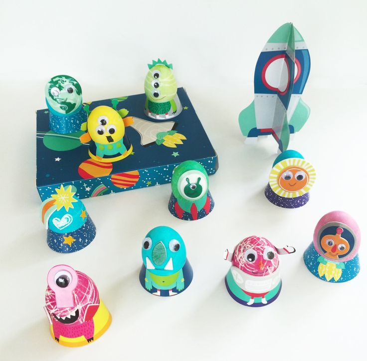 Space and alien themed Easter eggs -15 Creative and Unique Decorating Ideas for Easter Eggs