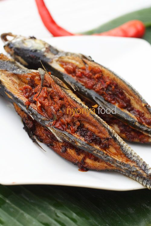 Must-try:    2 hardtail mackerel (ikan cincaru)    Spice Paste:    3 fresh red chilies  5 dried chilies  10-12 shallots  2 cloves garlic  1 tbsp belacan  1 tsp salt  1 tsp sugar  1/2 tablespoon tamarind pulp, soak in 1/4 cup water, extract juice and discard pulps  1/4 cup oil
