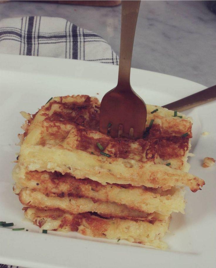 Mat - våfflor med potatis och cheddar!  #recept #mat #cheddar #våfflor